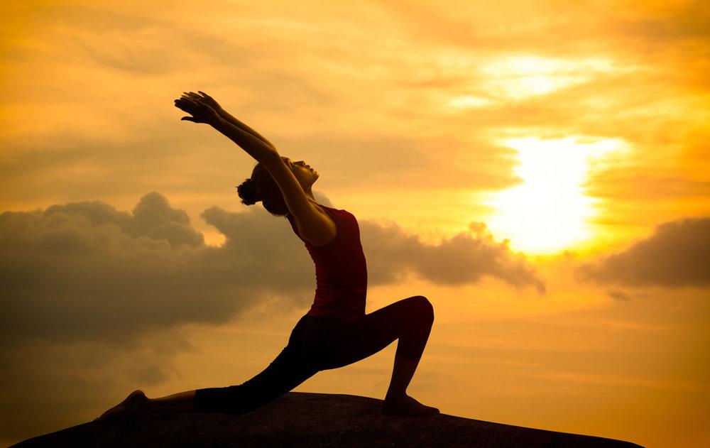 Învață despre yoga la Studioul Nirvana Yoga din București
