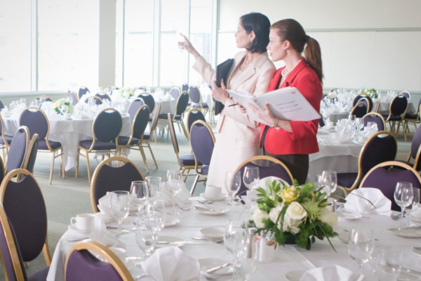 Avantajele angajarii unui planificator de evenimente